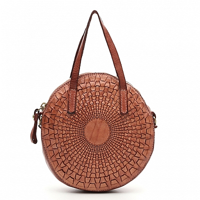 SMALL WOVEN LEATHER ROUND CROSSBODY BAG IN ROSE