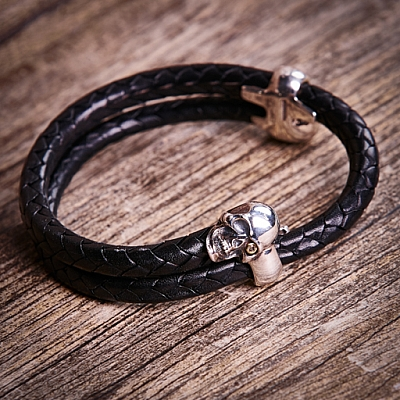 DOUBLE SKULL DIAMOND EYE BRAIDED LEATHER BRACELET